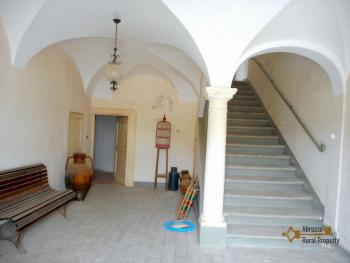 Historic palace of 530 sqm, with indoor patio, garden and terrace. Italy | Molise | Bagnoli del Trigno . € 190.000 Ref.: BG6677 photo 20