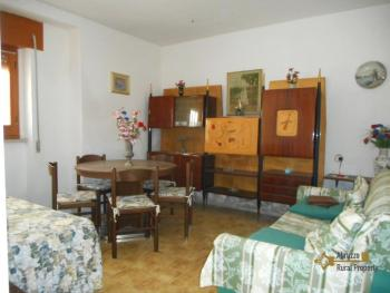 Small habitable town house for sale in Mafalda, Molise. Img2