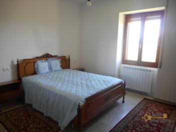 Country house with garden for sale in Roccaspinalveti. Img13