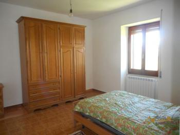 Country house with garden for sale in Roccaspinalveti. Img14