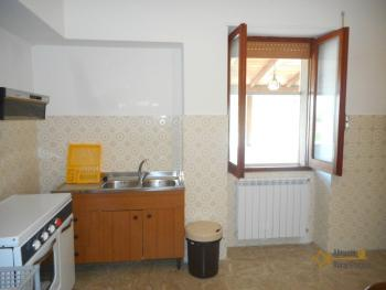Country house with garden for sale in Roccaspinalveti. Img9