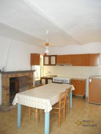 Townhouse with large terrace for sale in Palmoli. Abruzzo. Img7