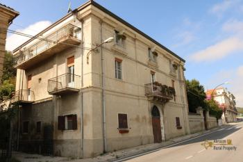 Historic palazzo at 30 meters from the sea. Fossacesia. Img53