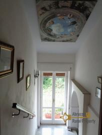 Historic palazzo at 30 meters from the sea. Fossacesia. Img46