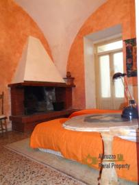 Historic palazzo at 30 meters from the sea. Fossacesia. Img32