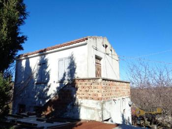 Detached house with land and panoramic sea view in Molise. Img2