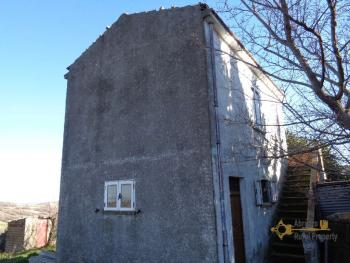 Detached house with land and panoramic sea view in Molise. Img3