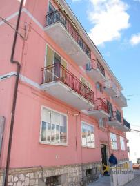 Panoramic three bedrooms apartment for sale in Tavenna.