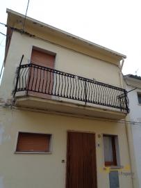 Three storey townhouse with indipendent unit, for sale. Img19