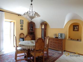 Character stone house completely restored for sale. Abruzzo. Img6