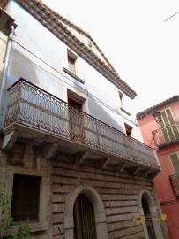 Traditonal stone house with panoramic terrace in Molise. Img2