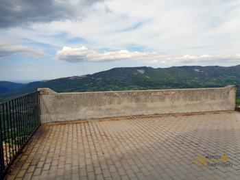 Traditonal stone house with panoramic terrace in Molise. Img22