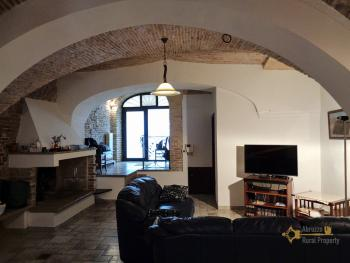 Character house for sale in the historical center of Vasto. Img16
