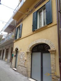 Character house for sale in the historical center of Vasto. Img36