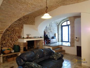 Character house for sale in the historical center of Vasto. Img15