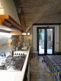 Character house for sale in the historical center of Vasto. Img11