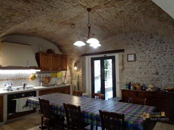 Character house for sale in the historical center of Vasto. Img9