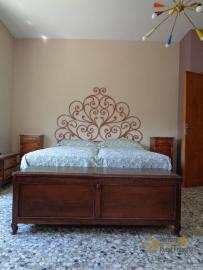Large four bedroom townhouse with 150 sqm of garden. Molise. Img31