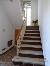 Large four bedroom townhouse with 150 sqm of garden. Molise. Img14