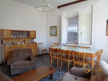 Large four bedroom townhouse with 150 sqm of garden. Molise. Img9