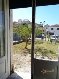 Large four bedroom townhouse with 150 sqm of garden. Molise. Img6
