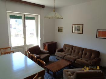 Large four bedroom townhouse with 150 sqm of garden. Molise. Img11