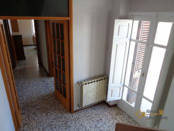 Large four bedroom townhouse with 150 sqm of garden. Molise. Img19