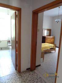 Large four bedroom townhouse with 150 sqm of garden. Molise. Img30