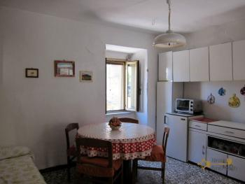 Traditional town house with a separate annex. Casalanguida. Img3