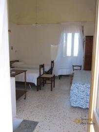 Traditional town house with a separate annex. Casalanguida. Img16