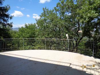 Charming private country house with 18000 sqm of land. Abruzzo. Img28