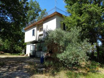 Charming private country house with 18000 sqm of land. Abruzzo. Img6