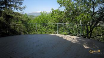 Charming private country house with 18000 sqm of land. Abruzzo. Img9