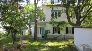 Charming private country house with 18000 sqm of land. Abruzzo. Img3