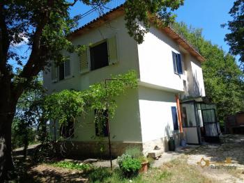 Charming private country house with 18000 sqm of land. Abruzzo. Img44