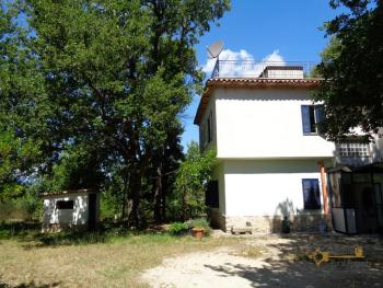 Charming private country house with 18000 sqm of land. Abruzzo. Img5