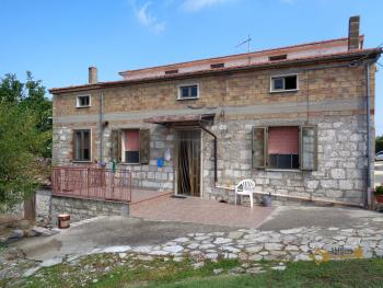 Two country houses with land for sale near Trivento. Molise. Img1