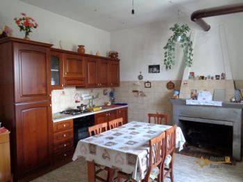 Two country houses with land for sale near Trivento. Molise. Img12