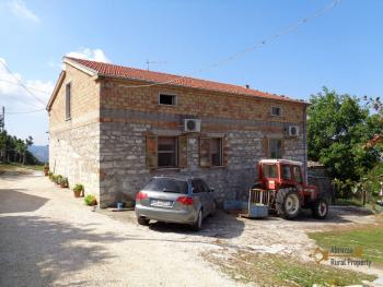 Two country houses with land for sale near Trivento. Molise. Img2