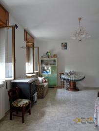 Two country houses with land for sale near Trivento. Molise. Img15