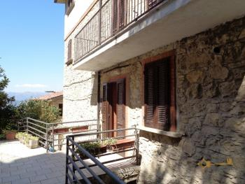 Spacious stone house of 180 sqm with outdoor space. Molise. Img7