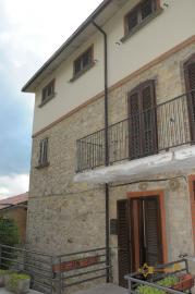 Spacious stone house of 180 sqm with outdoor space. Molise. Img10
