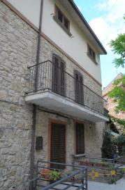 Spacious stone house of 180 sqm with outdoor space. Molise. Img9