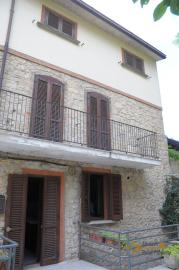 Spacious stone house of 180 sqm with outdoor space. Molise. Img3