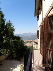 Spacious stone house of 180 sqm with outdoor space. Molise. Img22