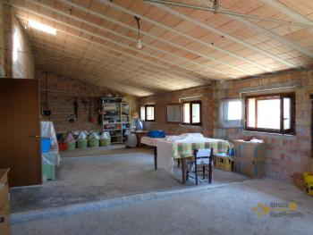 Spacious stone house of 180 sqm with outdoor space. Molise. Img29