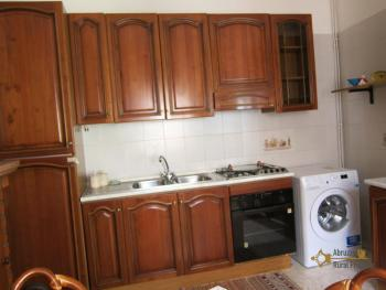 Ready to live in apartment in an scenic Italian hilltop town. Img12