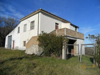 Country house to restore. Palmoli. Abruzzo. Img10
