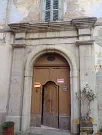 Historic palazzo of 450 sqm to restore, for sale in Molise.
