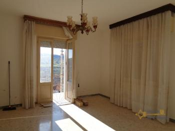 Two bedroom detached house with amazing view near the lake. Img19